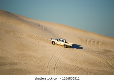 4x4 driving the dunes