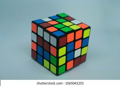 4x4 puzzle cube, Rubik's cube