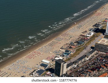 5 August 2018, Zandvoort aan Zee, Holland. Aerial view of a crowded beach on a sunny, hot day at the Dutch coast in Zandvoort.