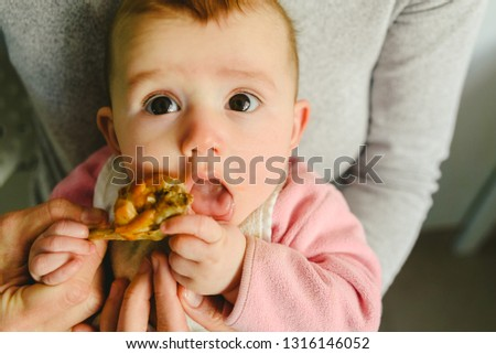 5-month-old-baby-eating-450w-1316146052.