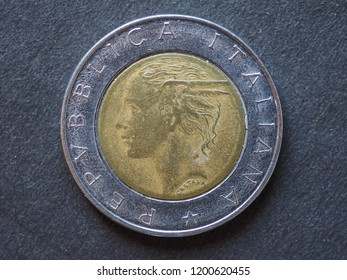 500 liras coin money (ITL), currency of Italy