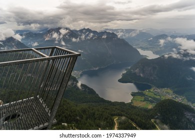 The 5fingers plattform at the Dachstein in Austria with a 400m drop offers an adrenaline rush at one of the most spectacular views in the Alps.