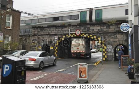bfabff5492 5th November 2018 Dublin Van Squeezing Stock Photo (Edit Now ...