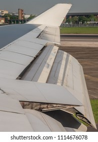 747 Wing surfaces after landing