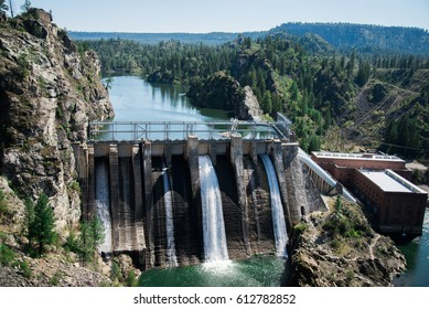 9 mile falls dam as seen from a scenic overlook