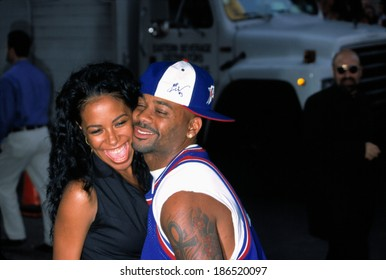 Aaliyah and Damon Dash at the premiere of THE OTHERS, NYC, 8/2/2001