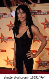 Aaliyah at the MTV Movie Awards, 6/5/2001