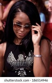 Aaliyah at the Teen Choice Awards, LA, CA 8/22/00