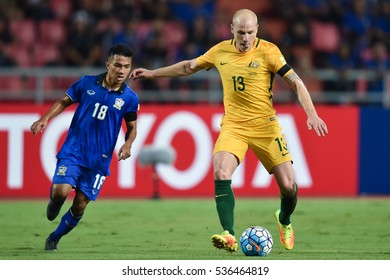 Aaron Mooy (R) of Australia in action during the 2018 World Cup Qualifiers match between Thailand and Australia at Rajamangala Stadium on September 15, 2016 in Bangkok, Thailand