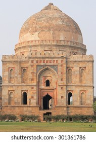 abandon temple in one of districts of Delhi, India