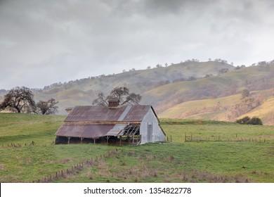 Abandoned barn in the foothills of Diablo Range in Mt Hamilton. Joseph D. Grant County Park, Santa Clara County, California, USA.