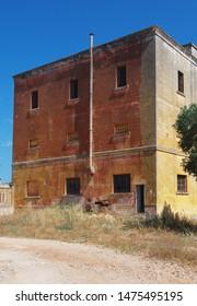 Abandoned buildinf - Monteruga,  Salento, Italy