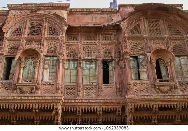 Abandoned building in Jaipur, India
