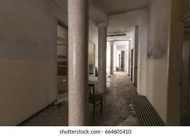 Abandoned building / Urban exploration