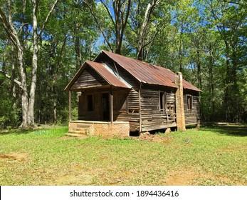 Abandoned Cahaba schoolhouse in rural Alabama