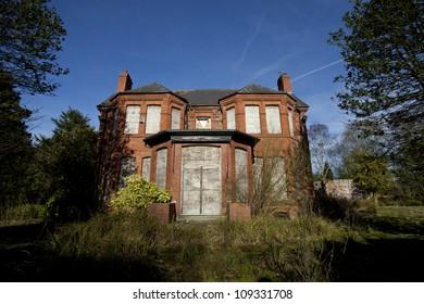 abandoned / derelict haunted house hidden away in england
