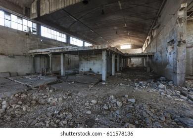 Abandoned Factory / Urban Exploration