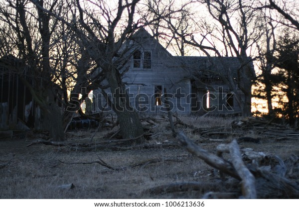 Abandoned Farm Homes Midwest Stock Photo (Edit Now) 1006213636