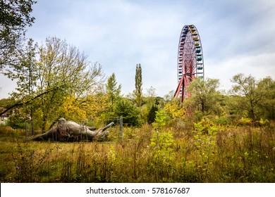 Abandoned ferris wheel in former Spreepark Berlin