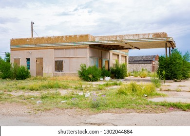 Abandoned gas station in Tatum, Lea County, New Mexico, USA, 08-15-2018