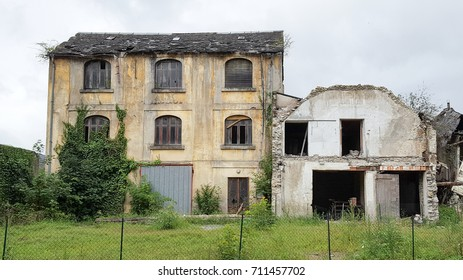 abandoned house in country an old farm