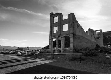 Abandoned House in the Ghost Town Rhyolite near Death Valley 02