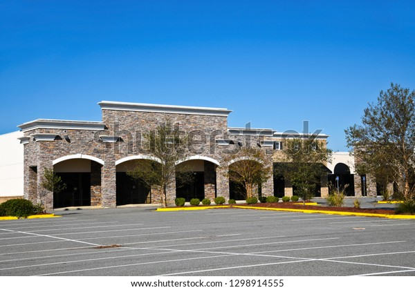 Abandoned New Commercial Building with Retail, Restaurant and Office Space available for sale or lease