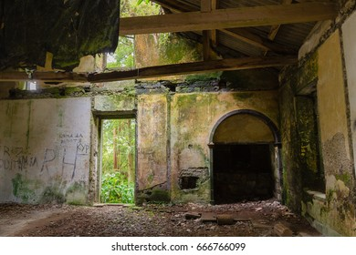 The abandoned ruin of the house at Lake Lagoa das Furnas on the Sao Miguel Island. Sao Miguel is part of the Azores archipelago in the Atlantic Ocean.
