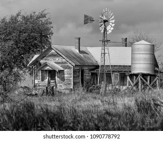Abandoned Texas farmhouse - the encroachment of Texas cities continues as this house exists no more.