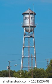 Abbott, Texas / USA - June 14 2005: Tin Man Style Water Tower in the Birthplace of Willie Nelson.