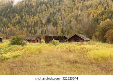Abdandoned farm buildings
