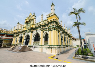 Abdul Gaffoor Mosque is a mosque in Singapore constructed in year 1907. The mosque located in the area known as Little India, which was an active business hub for Indian merchants