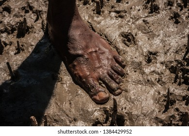 Aboriginal Australia, a landscape build on traditional values passed from many generations. The oldest live culture in the world. Red soil, black skin. The Australian outback