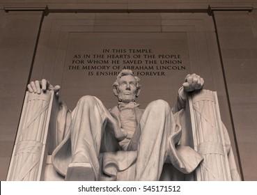 Abraham Lincoln Statue Close Up