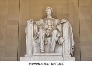 Abraham Lincoln statue at Washington DC Memorial