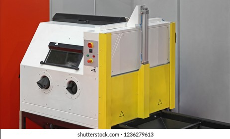 Abrasive Blasting Chamber Machine Equipment for Industry