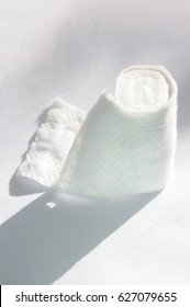 Absorbent cotton ribbon for wound care or skin cleansing