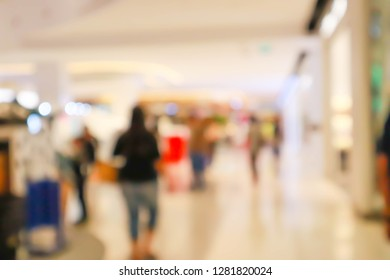 Abstract blur with bokeh and defocused shopping mall in deparment store for background.
