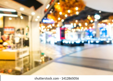 Abstract blur and defocused shopping mall and retail interior of department store for background