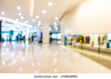 Abstract blur and defocused shopping mall retail in department store interior for background