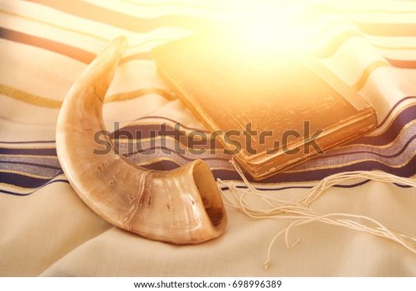 Immagine astratta dello scialle di preghiera - tallit, simbolo religioso ebraico