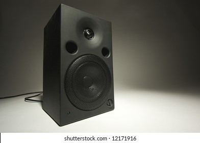 Abstract of Stereo Speaker