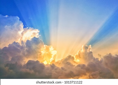 abstract sun beam line light shining through the clouds, Sunbeam through the clouds haze on Beautiful sky