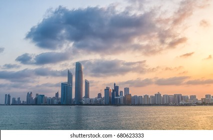 abu dhabi corniche in sunrise time