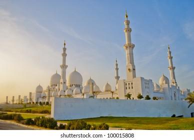 Abu Dhabi Sheikh Zayed White Mosque-Arabic World