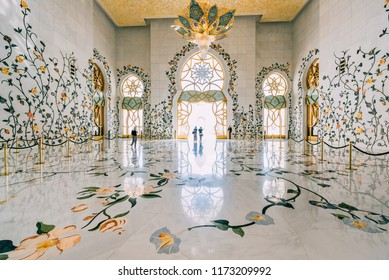 ABU DHABI,UAE - MARCH 08,2014 : Architecture and interiors of the Sheikh Zayed Grand mosque.