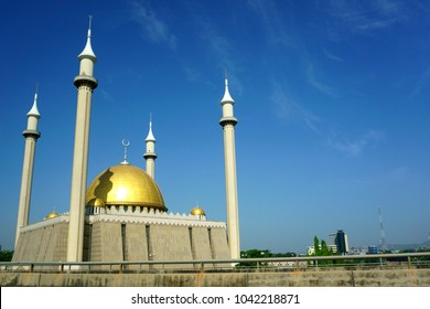 Abuja's National Mosque is the biggest mosque in Nigeria and West Africa. Built in 1984 in the capital city, Abuja, Nigeria. The mosque are where muslims pray five times a day. It also has 4 minarets.