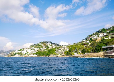 Acapulco bay hotels and houses