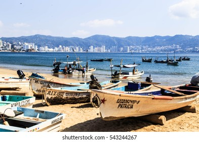 ACAPULCO, MEXICO - NOVEMBER 30, 2016 : Fishermen are coming back from the sea Acapulco, Mexico.