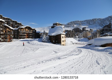 Access to the ski resort or Avoriaz from the ski pists